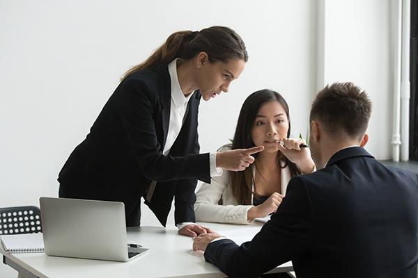 Read more about the article Violenza e le molestie sul lavoro: Il 25 giugno 2021 entra in vigore la Convenzione del 2019